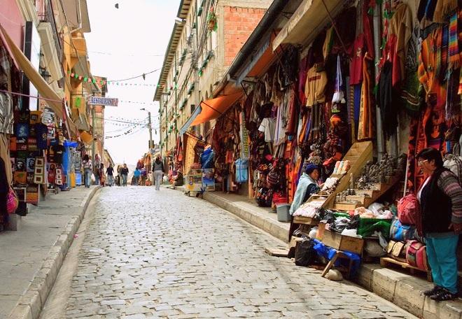 Sagarnaga street la paz bolivia 2