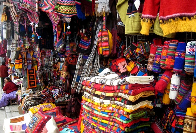 Sagarnaga street la paz bolivia 4