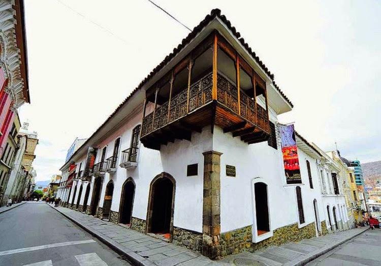 744px-Fachada_Museo_Nacional_de_Etnografía_y_Folklore