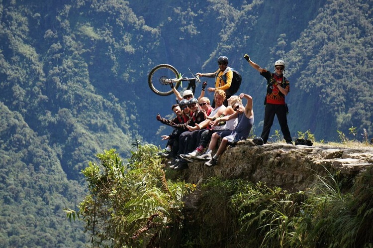 death road bolivia tour