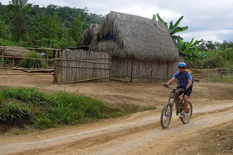 ride and river bolivia amazon mountain bike 2